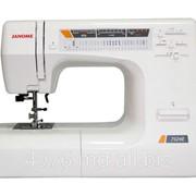 Машины бытовые швейные Швейные машинки Швейная машина JANOME 7524E (Позиционирование иглы, регулятор скорости шитья, 11 лапок) фото