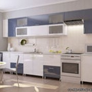 Кухонный гарнитур бело-синий фото