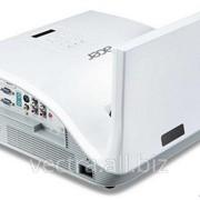 Ультракороткофокусный проектор Acer U5313W (WXGA, 2700 ANSI lm) (MR.JG111.001) фото