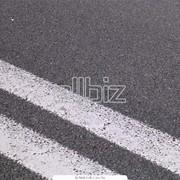 Нанесения линий дорожной разметки термопластиком фото