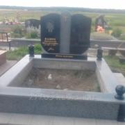 Памятник подвійний фото