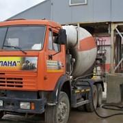 Доставка бетона миксером - автобетоносмесителем фото