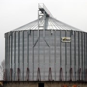 Зернохранилища, зерносклады. Зернохранилища из вентилируемых силосов фото
