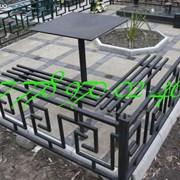 Столы и скамейки на кладбище фото