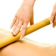 Массаж бамбуковыми палочками. фото