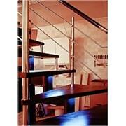 Лестница на модульном косоуре со ступенями из ясеня фото