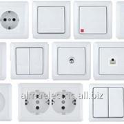 Выключатель 1-клавишный о/у с инд. Белый ЭТЮД 25 ВА10-005В фото