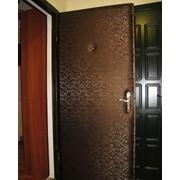 Установка панелей из ламинированного ДВП для металлической двери фото