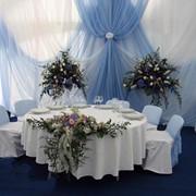Текстильноее оформление банкетных залов торжественно и изыскано фото