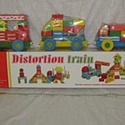 Детский деревянный поезд-конструктор большой с 3 отдельными игровыми позициями. фото