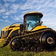 Гусеничный трактор Challenger MT700E Модель MT 765E фото