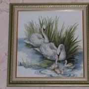 "Вышивка картин ""Лебеди"" фото"