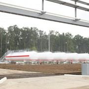 Хранение сжиженного углеводородного газа (СУГ) резервуарный парк. фото