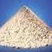 Каолин-сырец необогащенный, каолин обогащенный изготавливаемый по технологиям сухого и мокрого обогащения фото