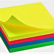 Бумага 110292 Алингар AL 6568 для заметок с клеевой основой, блок 100 листов, см_7,6*7,6 ( цена за 1 шт.) фото