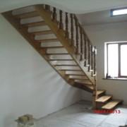 Дерев'янні сходи фото