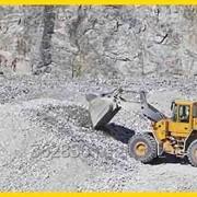 Щебень строительный из карьера в СПБ от 1000 руб/м3 фото