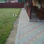 Устройство бордюров для дорожек из бетона, Цена Украина, Фото. фото