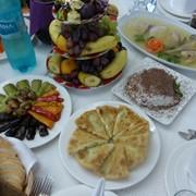 Европейская и национальная кухня в ресторане Bachus Dava фото