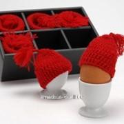 Поставка для яиц с шапочками фото