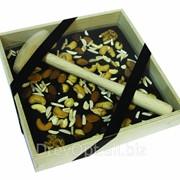 Деревянная коробка для шоколада фото