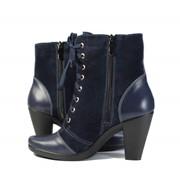 Замшевый ботинок синего цвета, каблук фото