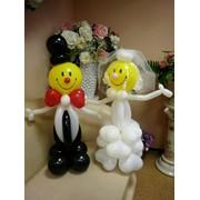 Жених и невеста из воздушных шаров фото