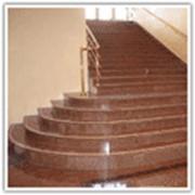 Лестницы, ступени, перила, балясины из гранита мрамора фото