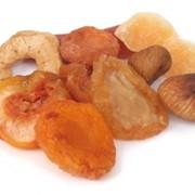 Закупаем сухофрукты для приготовления мюсли. фото