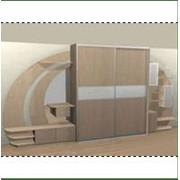 Шкаф-купе с дополнительными полками и ящиками фото