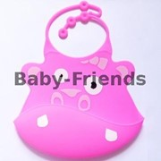 Слюнявчик пластиковый Бегемотик (розовый) фото