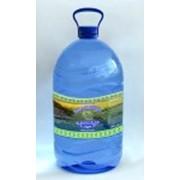 Вода в бутылях фото