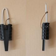 Клиновый зажим, применяются для подвешивания самонесущих изолированных проводов сечением 2х16-2х25. фото