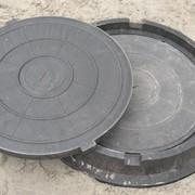 Люк канализационный садовый фото