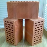 Блоки керамические поризованные пустотелые. фото