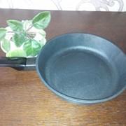 Сковорода чугунная фото