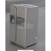 Холодильники бытовые в ассортименте фото