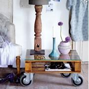 Винтажный журнальный стол фото