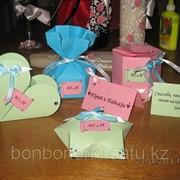 Ручная упаковка подарков и сувениров, Изготовление бонбоньерок фото
