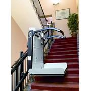 Лестничный подъёмник для инвалидов V65 (для инвалидных колясок) фото