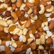 Фасовка орехов и изюма фото