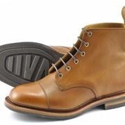 Светло-коричневых ботинки Loake Dovedale фото