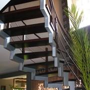 Изготовление лестниц на металлическом каркасе. фото