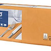 Салфетки бумажные Tork Advanced, 2-слойные 33х33, 200шт/уп, оранжевые 477843 фото
