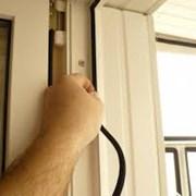 Регулировка и замена уплотнителя окон фото