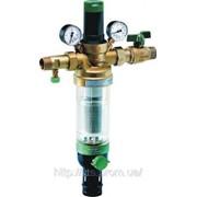 Установка фильтров для воды и водоочистителей. фото