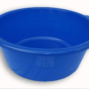 Таз пластмассовый глубокий синего цвета фото