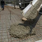 Услуги по доставке бетона миксерами 4-7 м.куб фото