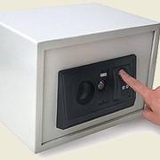 Сейф биометрический фото
