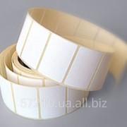 Термоэтикетки в рулонах для термотрансферного принтера фото